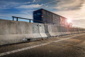 LT1 Universalelement für die Betonschutzwand von Linetech.