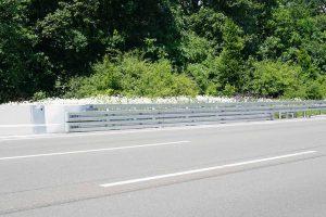 Produktbild LT 1-6-S Super Rail Eco Systemuebergang Ortbetonschutzwand Betonfertigteilwand Linetech Fahrzeugrueckhaltesystem Betonschutzwand