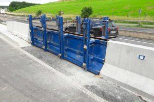 Produktbild LT 1-7-S Uebergang Stahlschutzplanke EDSP Systemuebergang Ortbetonschutzwand Betonfertigteilwand Linetech Fahrzeugrueckhaltesystem Betonschutzwand