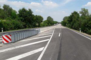 Produktbild LT 205-12 Strecke H2 Linetech Fahrzeugrueckhaltesystem Betonschutzwand