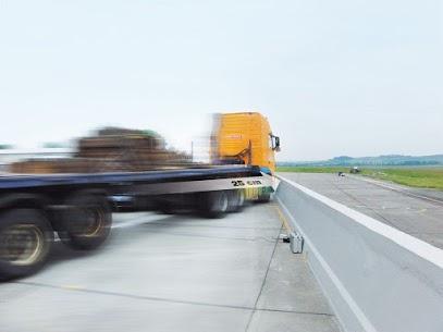 Anprallversuch LKW Fahrzeugrückhaltsystem aus Ortebeton von Linetech